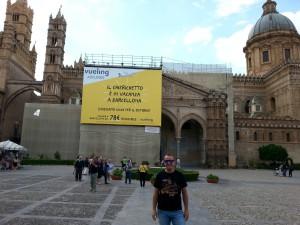 """Vueling: """"Il chierichetto è in vacanza a Barcellona…"""""""