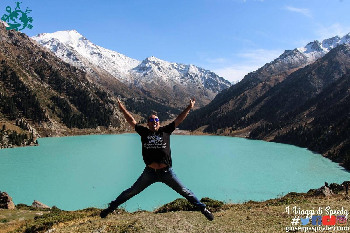 Un Salto nel Big Almaty Lake (Kazakhstan)