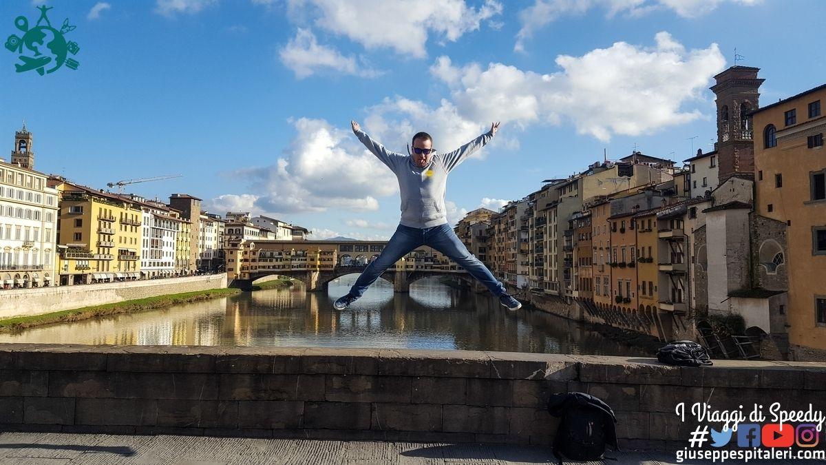 Un salto al Ponte Vecchio di Firenze (Italia)