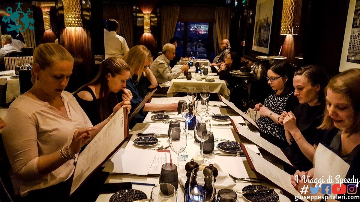 Cena al Cagney's Steakhouse, ponte 7
