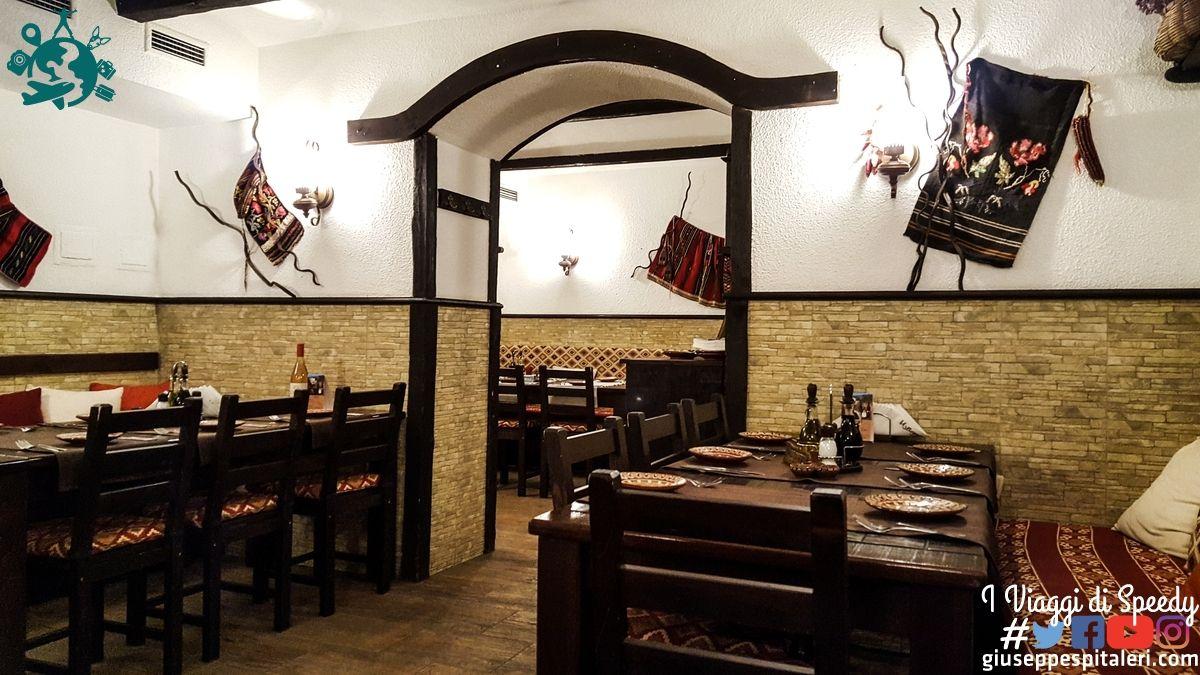 ristorante_izbata_sofia_bulgaria_www.giuseppespitaleri.com_006