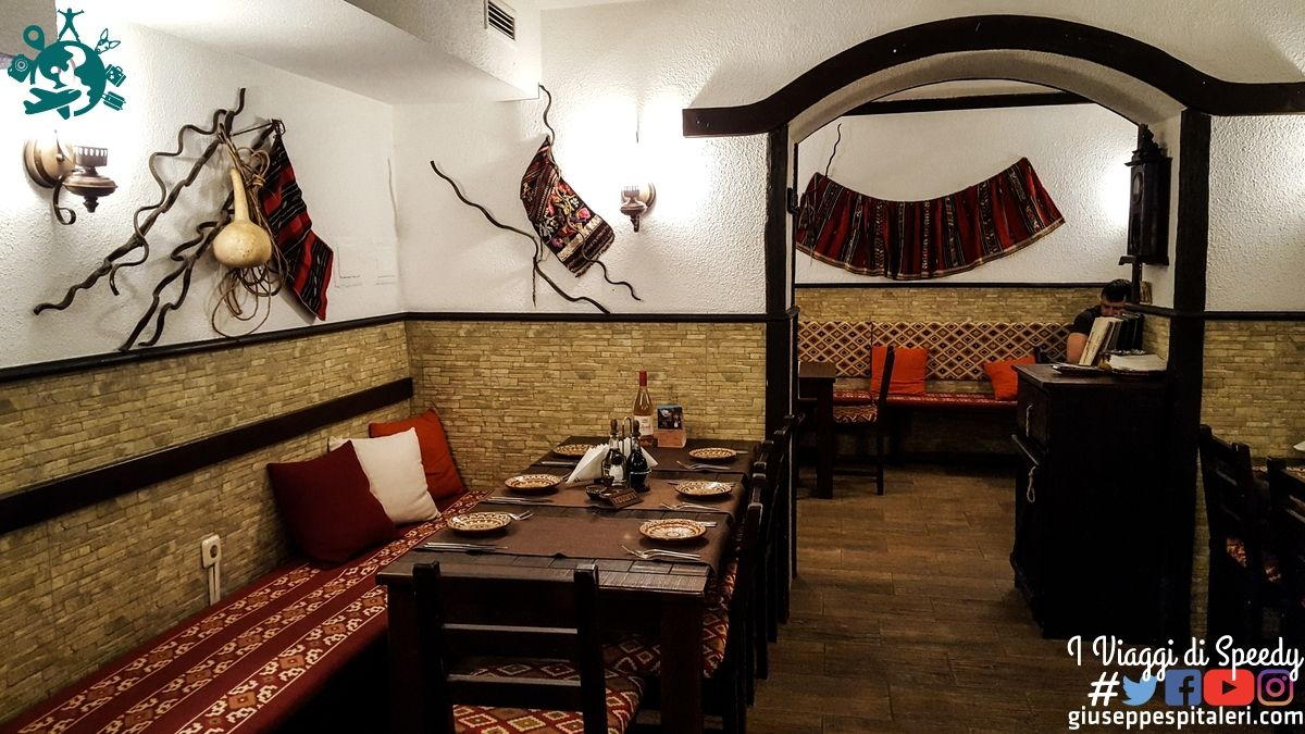 ristorante_izbata_sofia_bulgaria_www.giuseppespitaleri.com_007