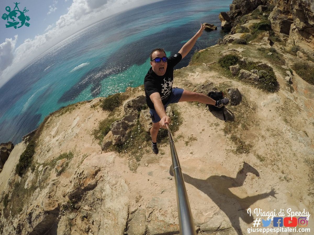 Un salto nella spiaggia del Bue Marino sull'Isola di Favignana (Trapani/Sicilia/Italia)