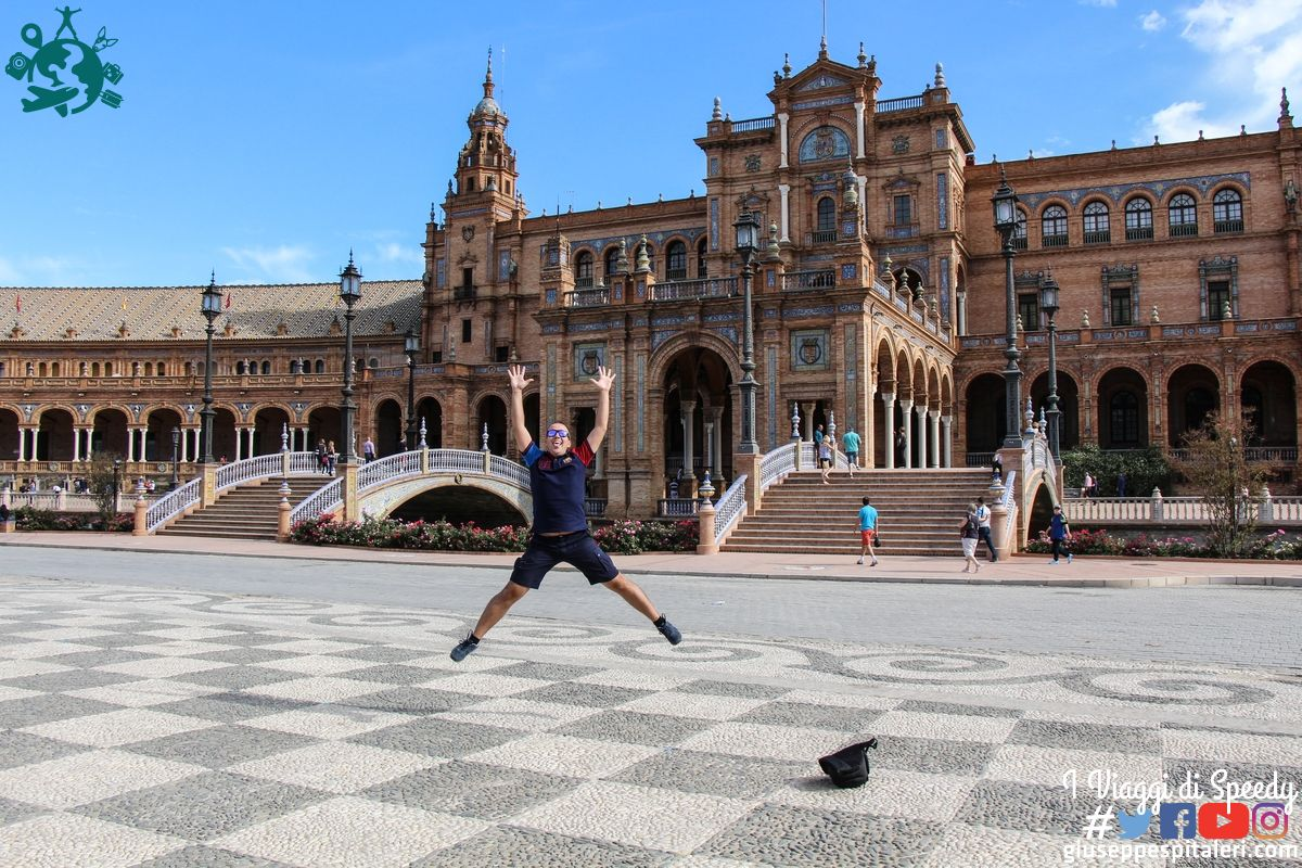 Un salto a Plaza de España a Siviglia (Spagna)
