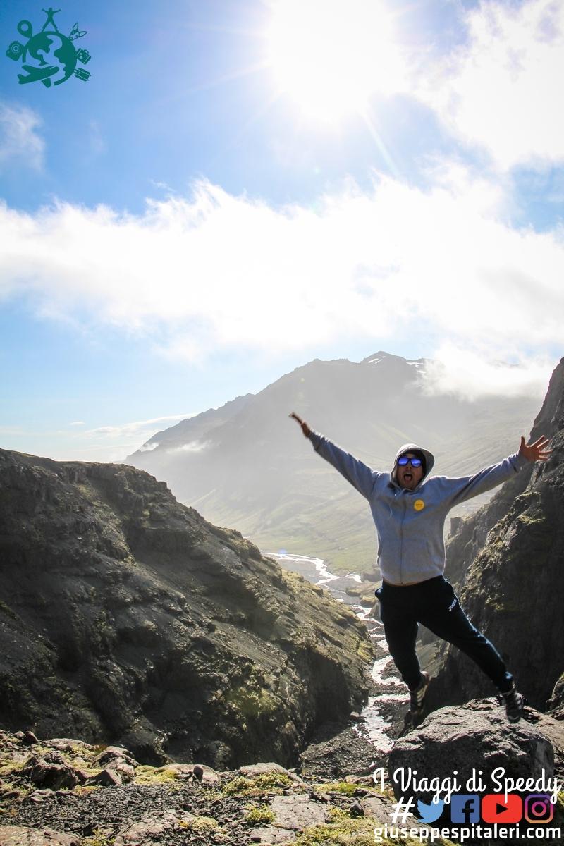 Un salto on the road verso il ghiacciaio Mýrdalsjökull (Islanda)