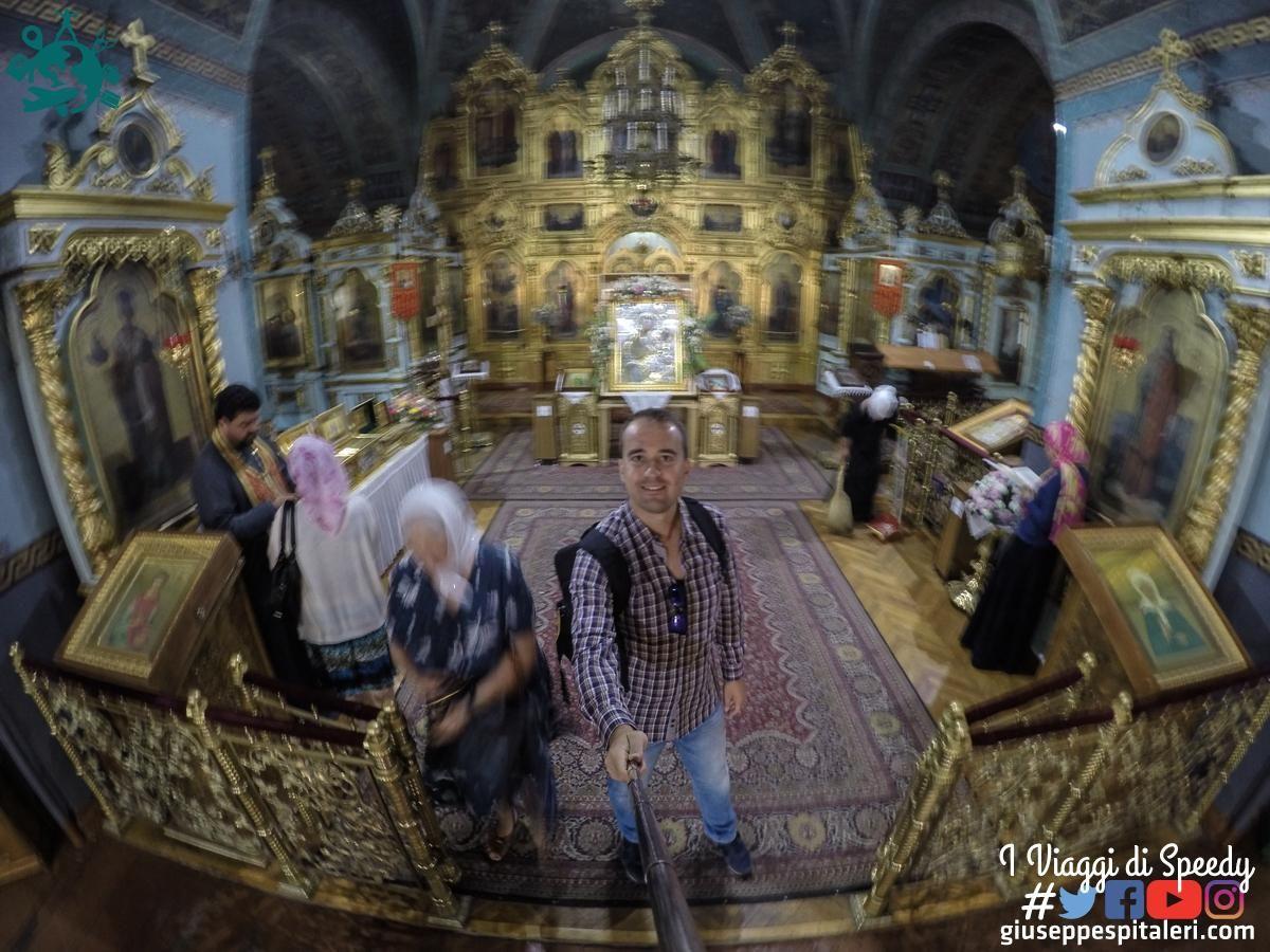 L'interno del convento ortodosso di San Teodoro