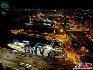 Io e la mia macchina in nave con GNV da Palermo a Genova, carico di bontà siciliane