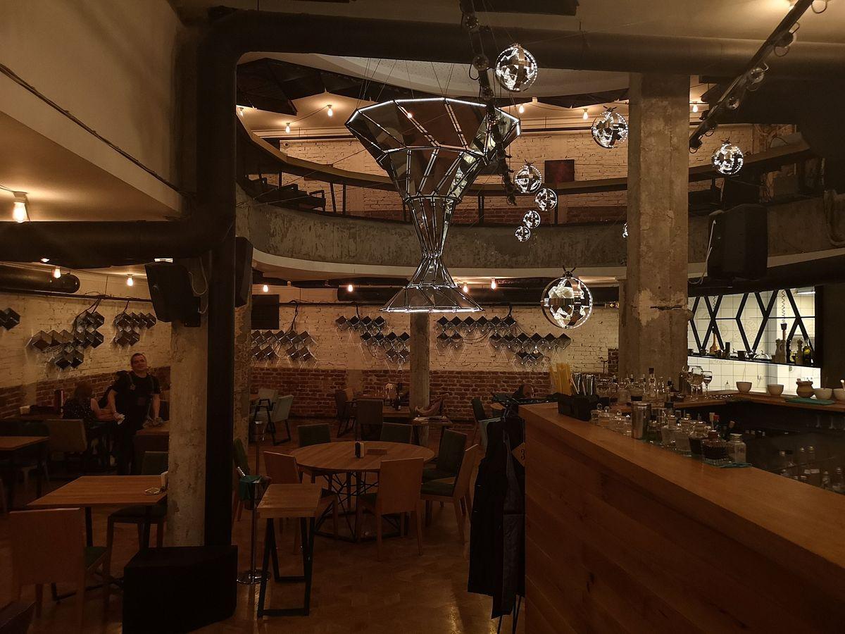 ristorante_cosmos_sofia_bulgaria_2018_www.giuseppespitaleri.com_018