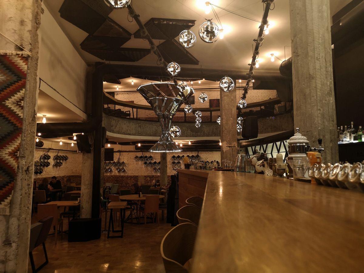 ristorante_cosmos_sofia_bulgaria_2018_www.giuseppespitaleri.com_019