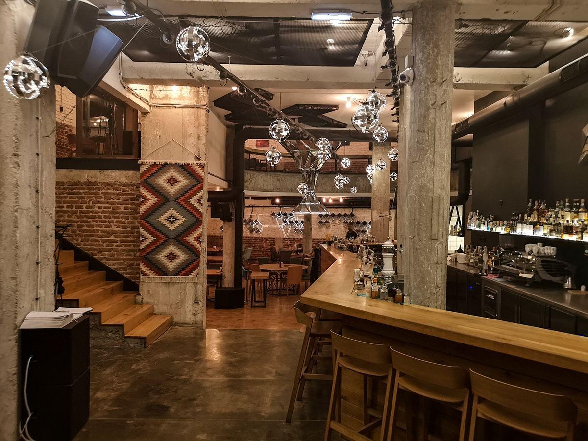ristorante_cosmos_sofia_bulgaria_2018_www.giuseppespitaleri.com_021