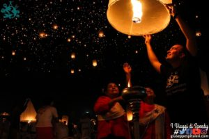 Festival delle lanterne Yee Peng e Loy Krathong di Chiang Mai (Thailandia)
