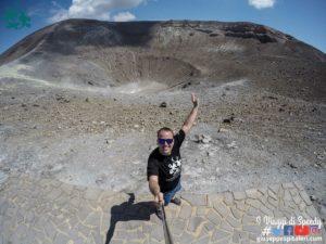 Foto – Isola di Vulcano (Isole Eolie) – La scalata al cratere, La Pozza dei Fanghi, spiaggia di sabbia nera