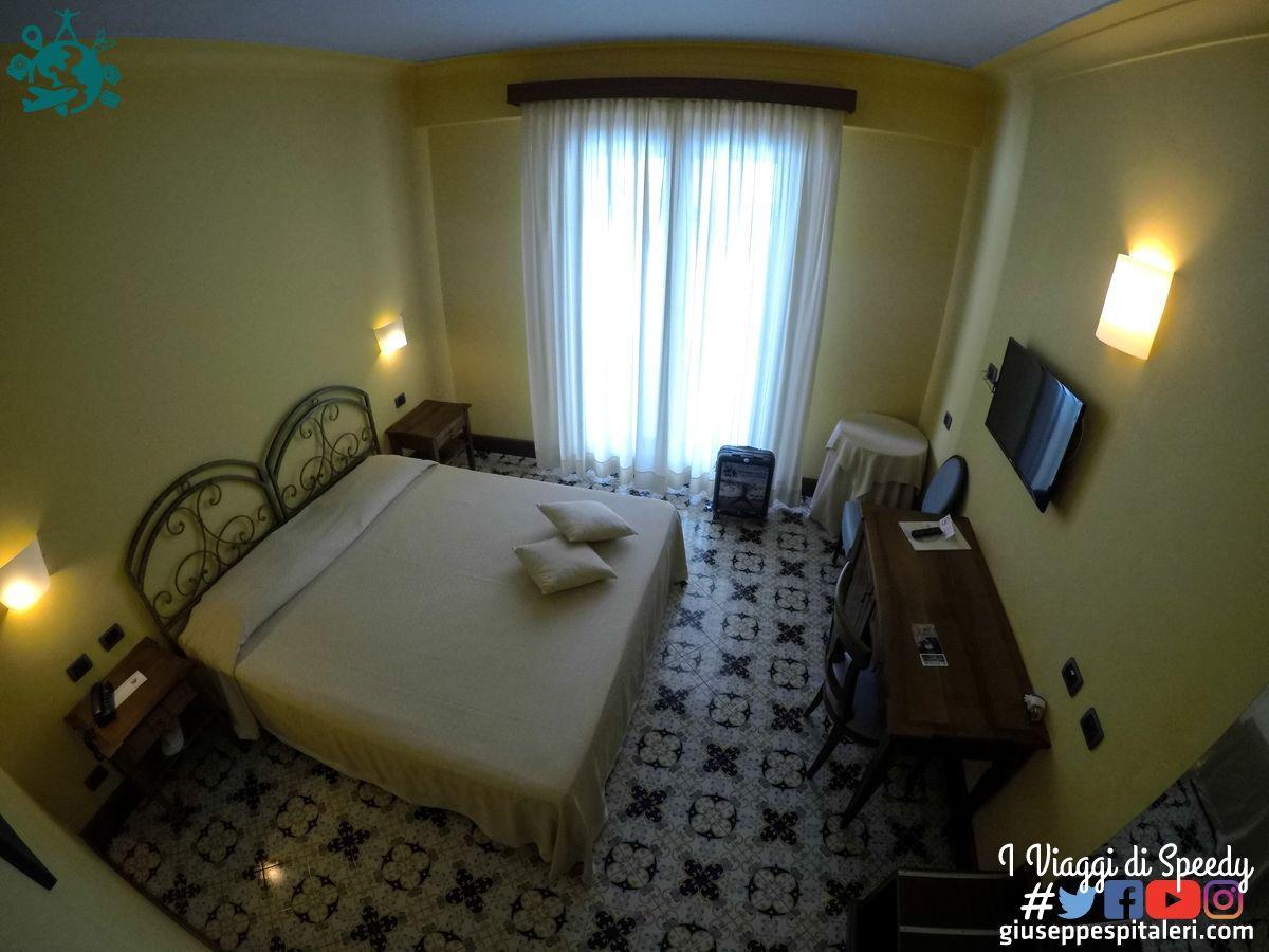 lipari_hotel_aktea_www.giuseppespitaleri.com_001