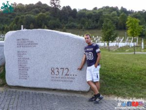 Il genocidio di Srebrenica (Bosnia ed Erzevovina) e il cimitero memoriale Potočari (8372)