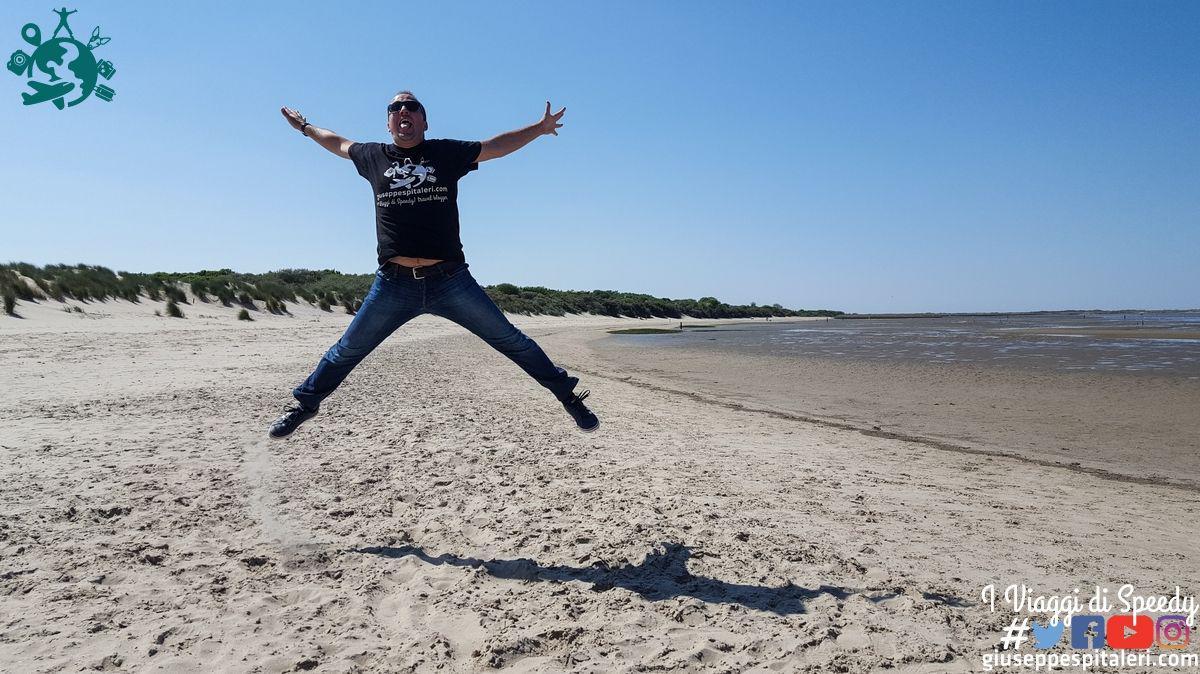 Un salto nella spiaggia di Maasvlakte (Olanda)