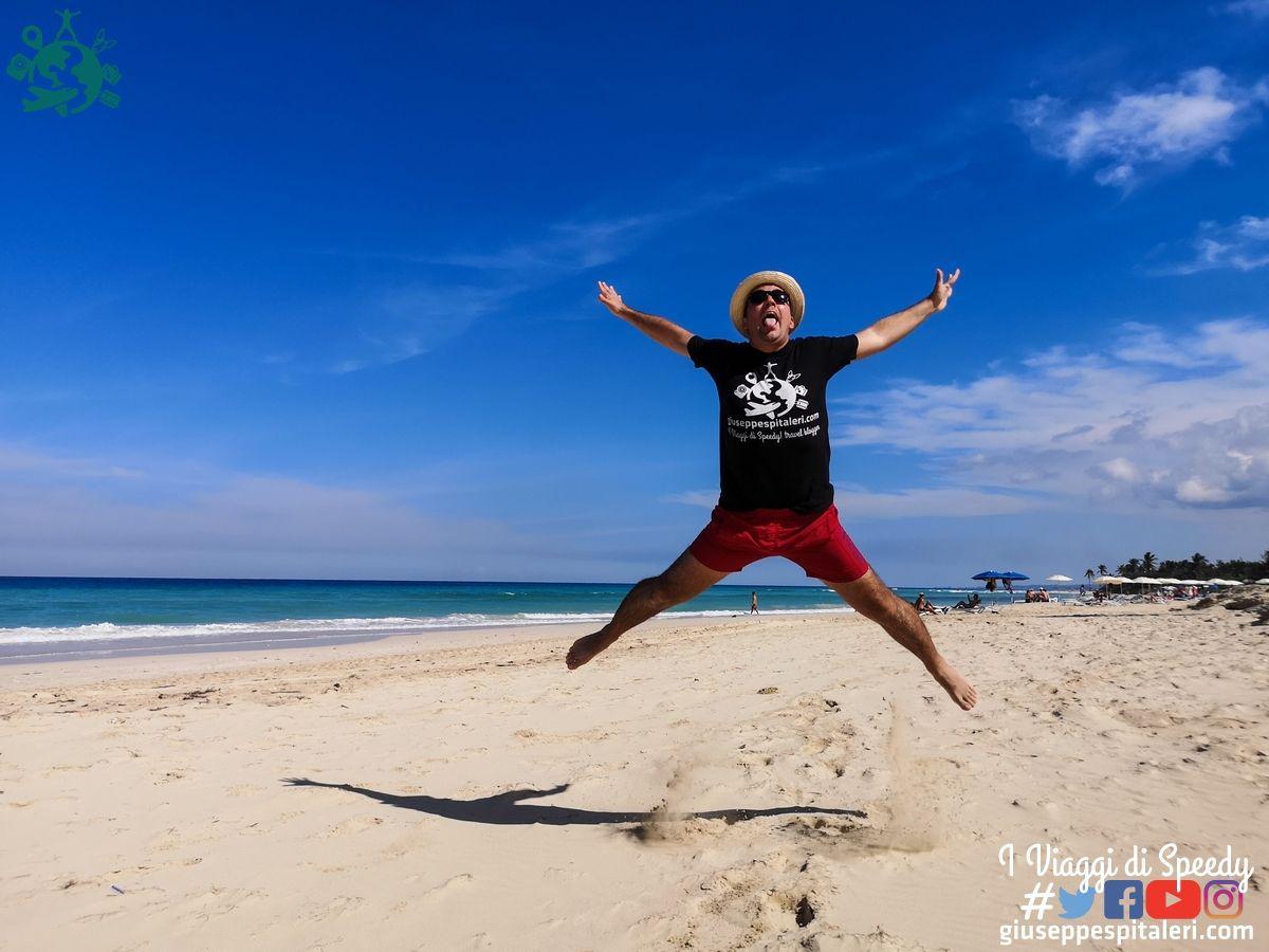 Un salto a Playa del Est vicino l'Avana (Cuba)