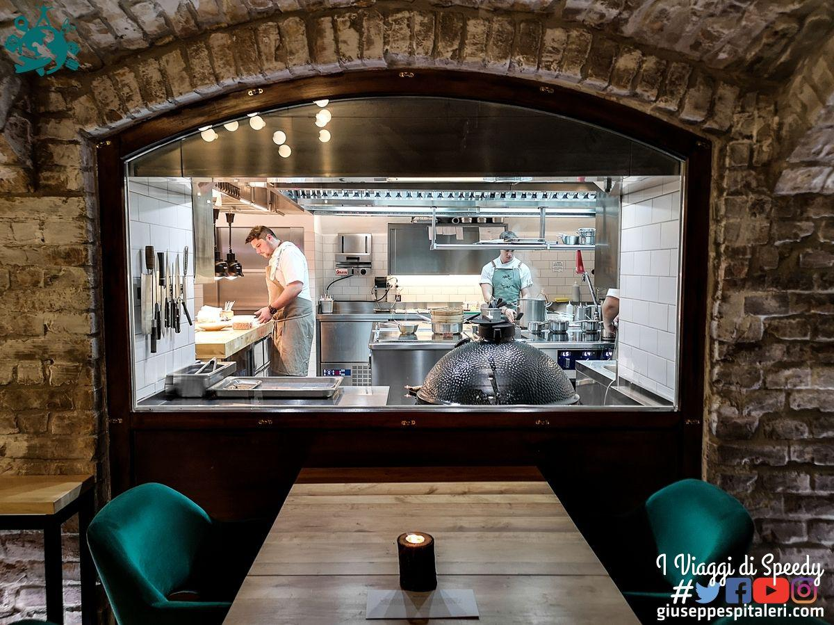 ungheria_budapest_ristorante_laurel_www.giuseppespitaleri.com_030